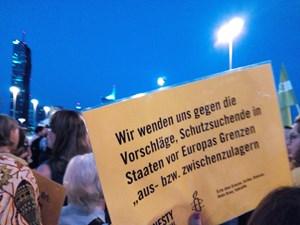 Thumbnail DemoReichsbrücke | © Amnesty-NW Frauenrechte