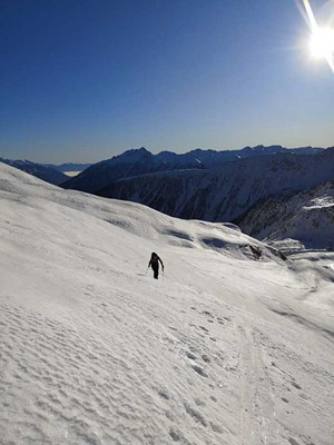 Thumbnail Neujahrskitour: Wandern mit ÖsterGLEICH on Top | © Daniel Irauschek/Amnesty International