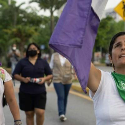 Mexiko: Gewalt gegen protestierende Frauen